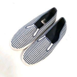 City Sneaks Slip On Sneakers Blue/White  Sz 8